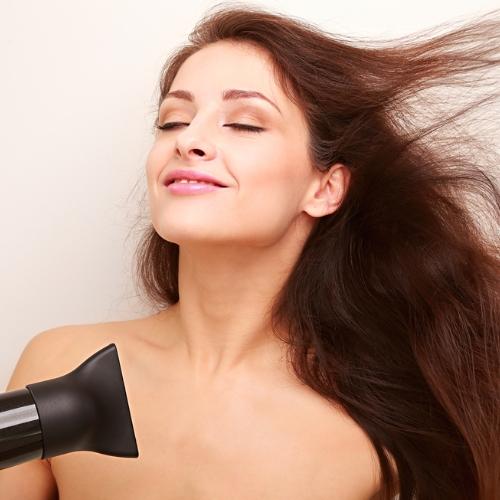 意外とできていない!大人女子がチェックしておくべき「髪の正しい乾かし方」
