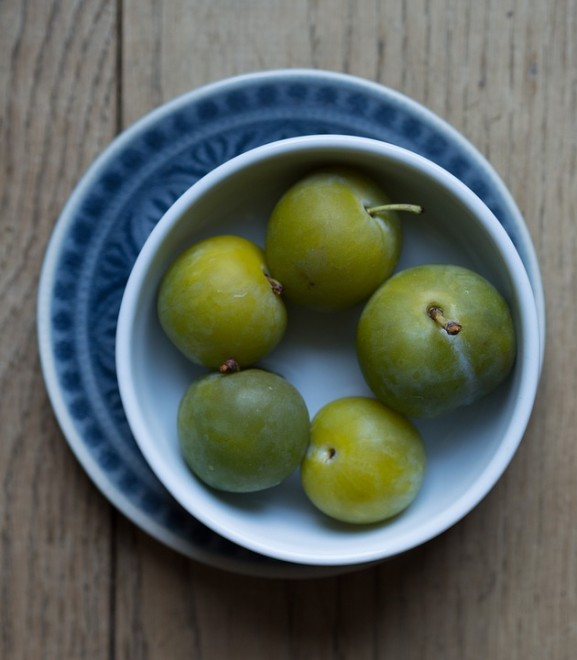 greengages-896643_960_720
