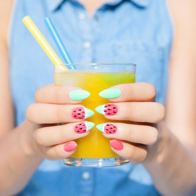 夏にぴったりフルーツネイルでフレッシュな指先に♪