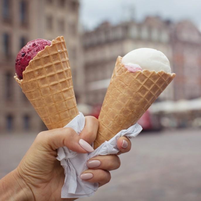 指の先から涼しげ♪アイスクリームネイルで暑さを吹き飛ばすッ!