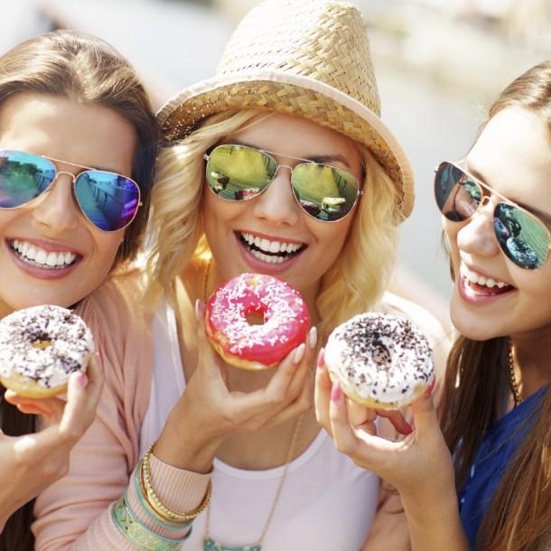 月に1回のイライラシーズン!生理前の食欲増加をコントロールする方法