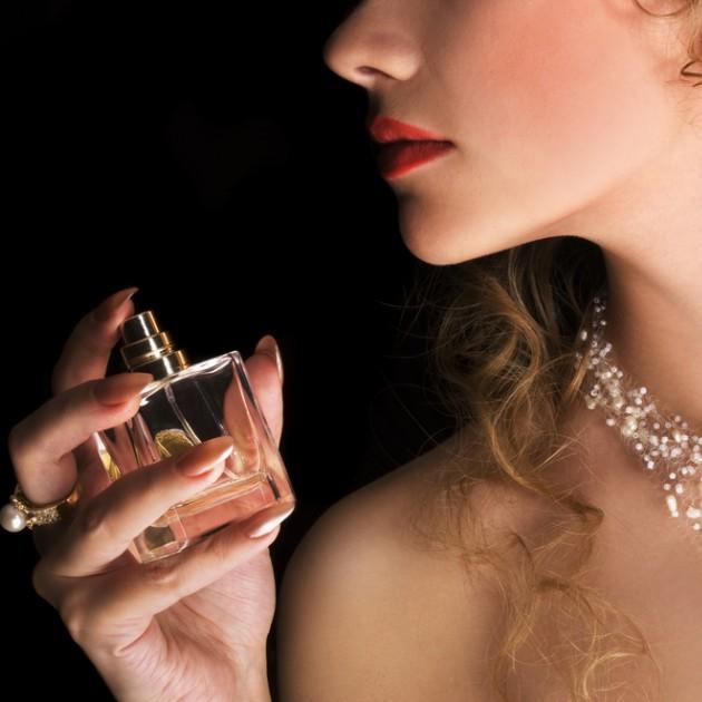 """いつも""""同じ香り""""を卒業!「香水」であなたの魅力を表現する方法"""