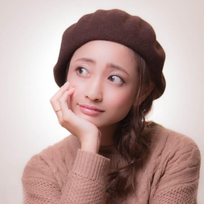 """トレンドのベレー帽も!?秋冬にオススメの""""ゆるふわ""""ミディアムアレンジ6選"""