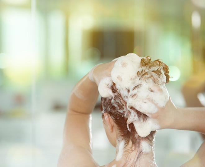 washing red hair