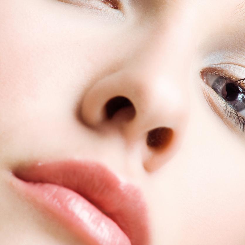 年齢が出る「唇」!注力すべきはサイズ・ボリューム・ツヤよりも○○だった!