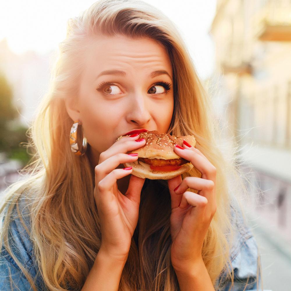 「ツボ」で食欲をコントロール?!簡単♪食事の前に!ツボ押しダイエット