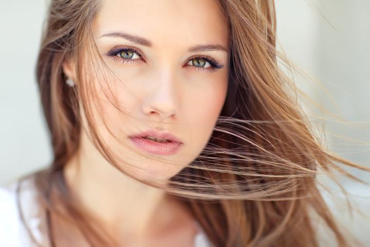 フェミニンな眉毛
