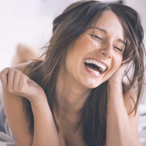 """すっきり睡眠!朝から""""笑顔美人""""になれる6つの行動"""