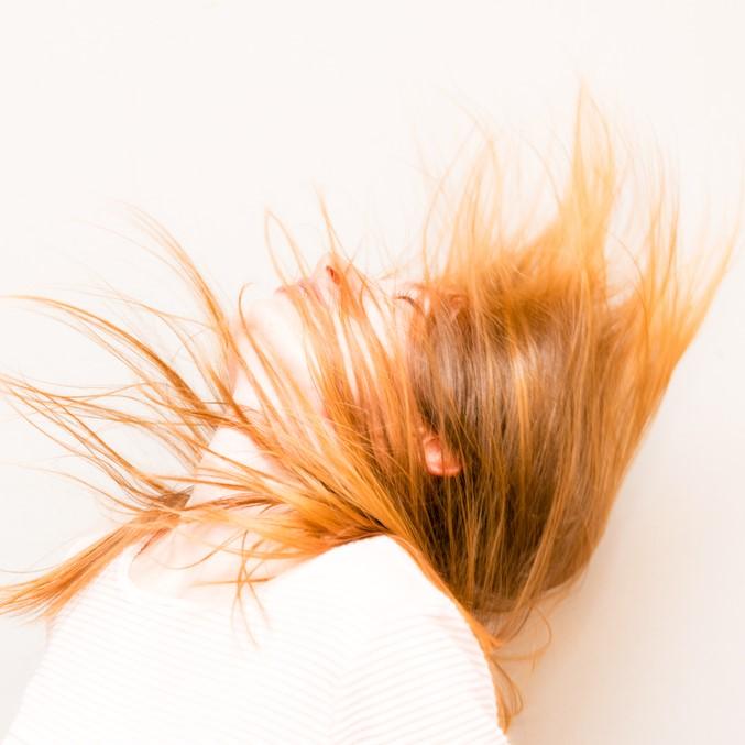 """湿度70%?!美容師が伝授!湿気で""""ひろがる髪""""をどうにかしたいあなたへ。"""