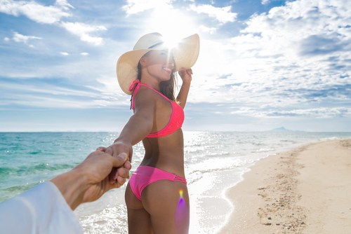 Girl Hold Man Hand Happy Smile Seaside