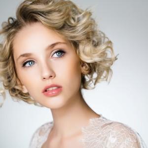 美人な色白女性