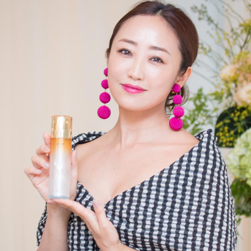 """30代で見直すべきは""""化粧水""""!神崎恵さんに学ぶ「美」のポイント3つとは?"""