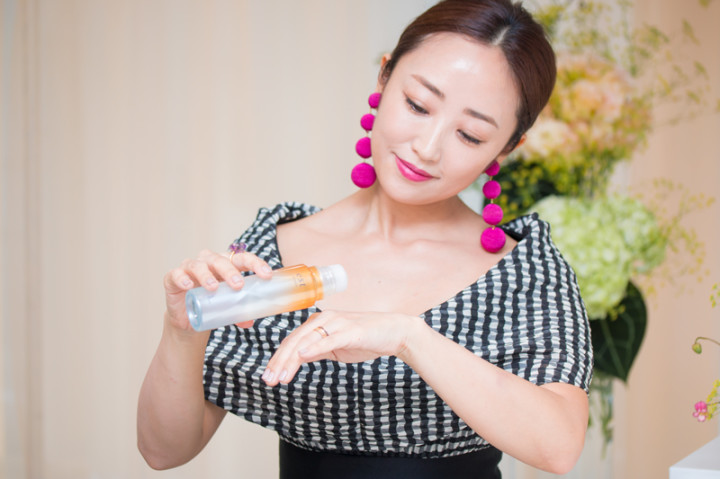神崎恵と化粧水