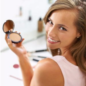 foundation-is-the-key-to-perfect-makeup-picture-id489087043