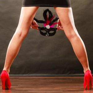 ハロウィンで美脚の女性