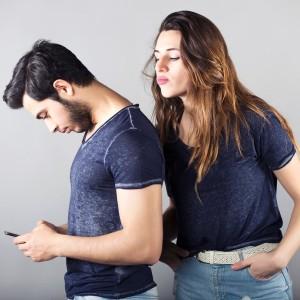 嫉妬するカップル