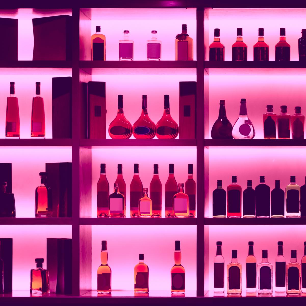 """「低カロリー」なお酒""""蒸留酒""""って?カロリー低めなアルコールあれこれ"""