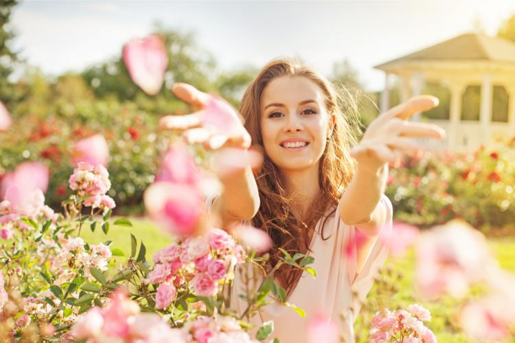 バラの香りを上手に取り入れて綺麗を磨こう