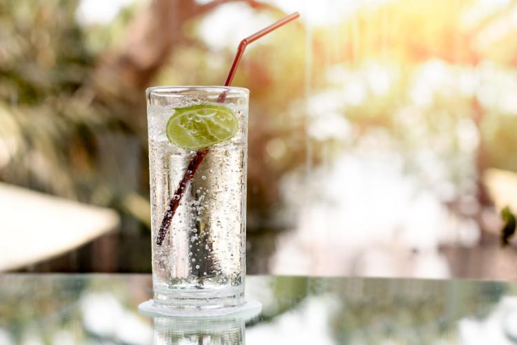 炭酸水の飲み方