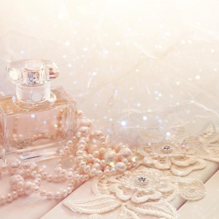 もっとハッピーを引き寄せたい♡運気を上げたい時の香水5選