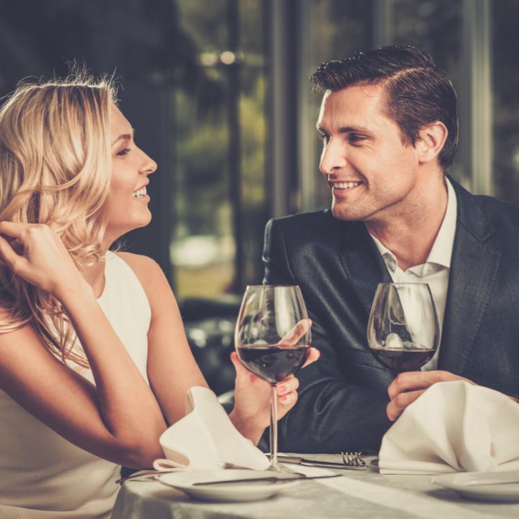 「食事デート」の身だしなみマナー!気を付けておきたいNGなことって?