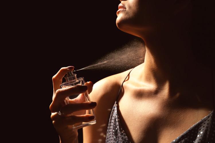 香水の付けすぎ