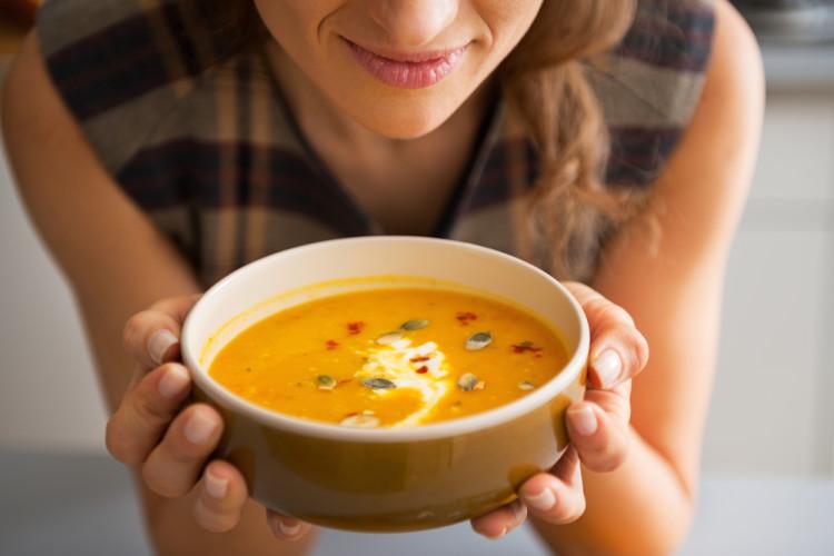 温かいスープで栄養をチャージ