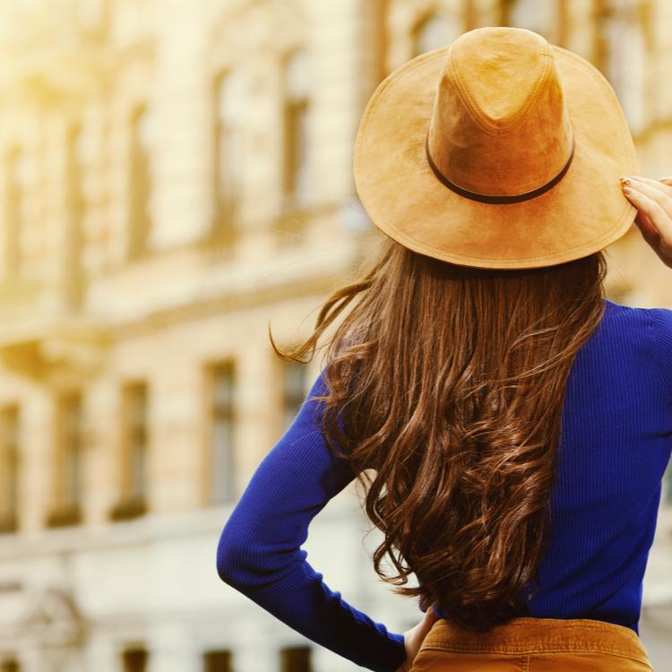 どこから見ても素敵な女性に!後姿美人になるための方法とは?