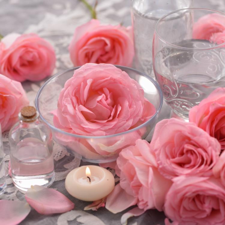 女性を美しくしてくれるバラ!バラの香りを嗅ぐだけでも美容効果が?