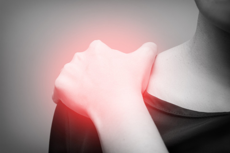 その肩こりや腰痛、姿勢のせいかも