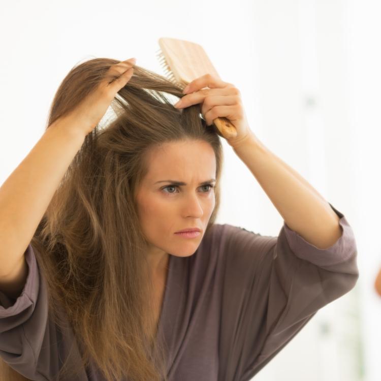白髪を増やしてしまう原因は食べ物?白髪の予防と改善方法とは!