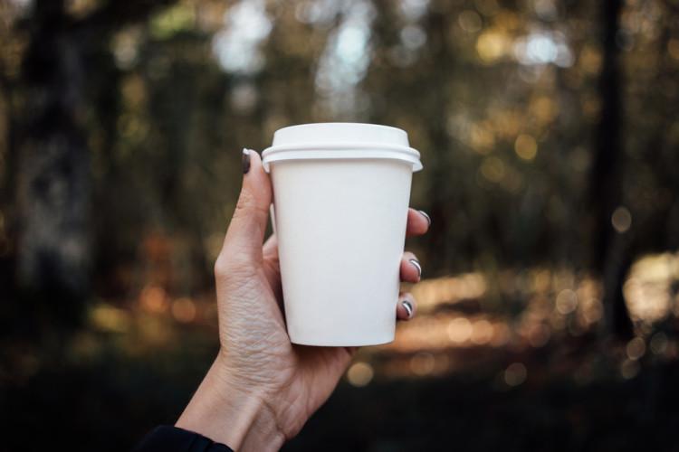 コーヒーの風味を楽しむ事が出来る無脂肪乳
