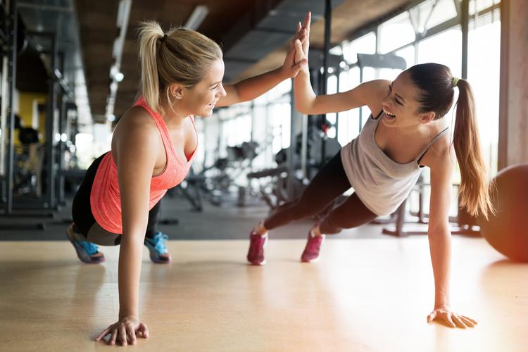 成長ホルモンとマイオネクチンのWの美肌効果が得られる筋トレ