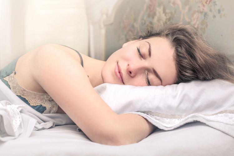 何時間眠るのがベター?