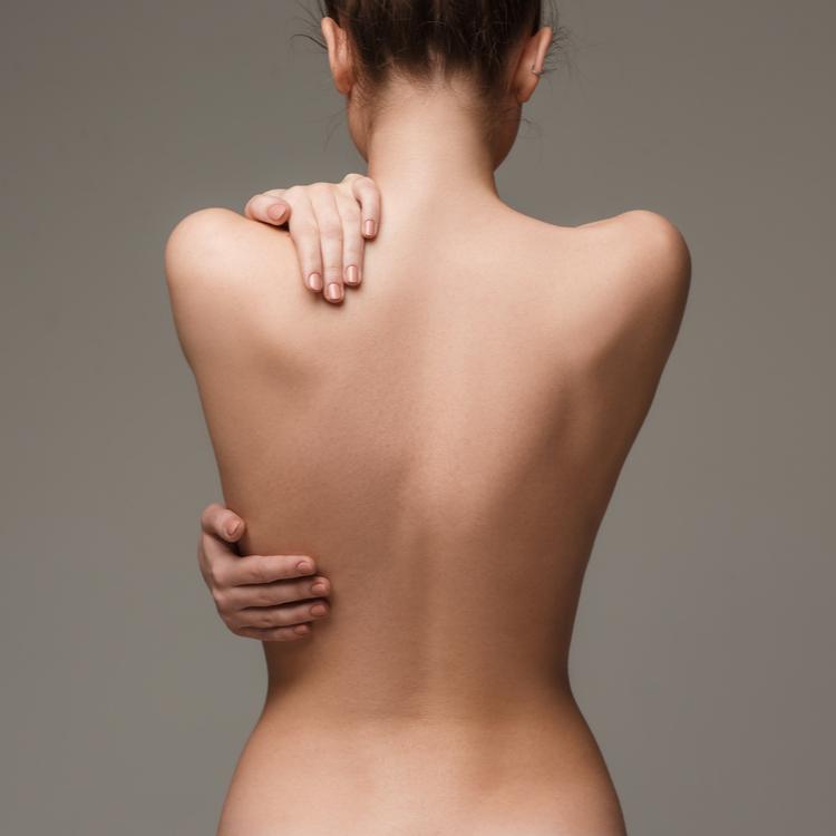 姿勢改善も!背中を鍛えるメリットと鍛え方をご紹介