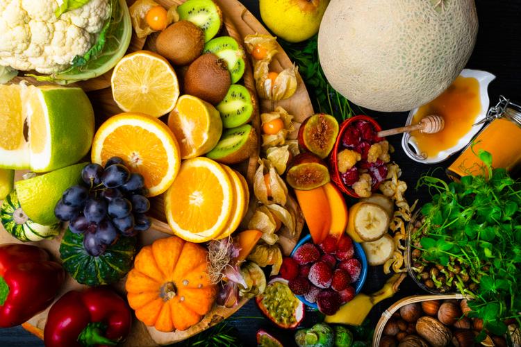 体の中から抗酸化成分を摂ることも大切