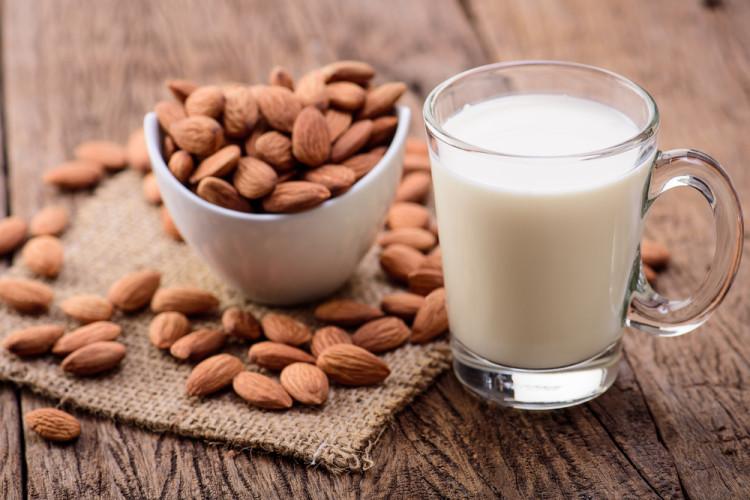 アーモンドミルクはこれからのミルク