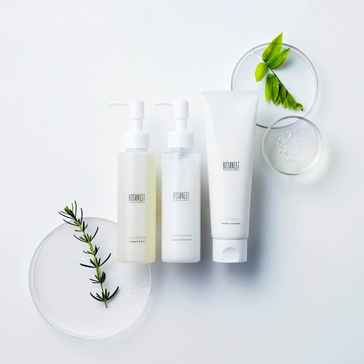 植物科学×肌美容学発想で「潤いを守りながら洗う」。BOTANISTより初のスキンケア誕生へ!【4月18日(木)発売】