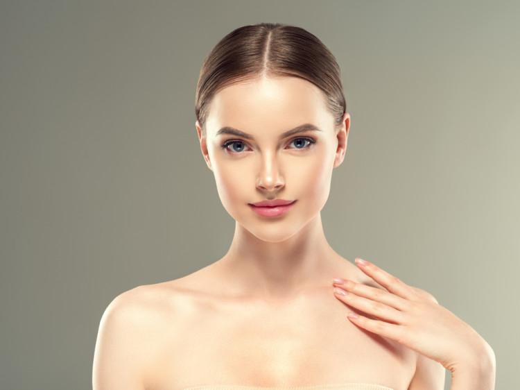 基礎化粧品のつけ方
