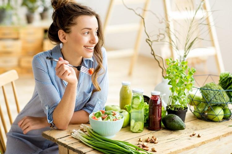 お肌の老化を加速させる「白い」食べ物