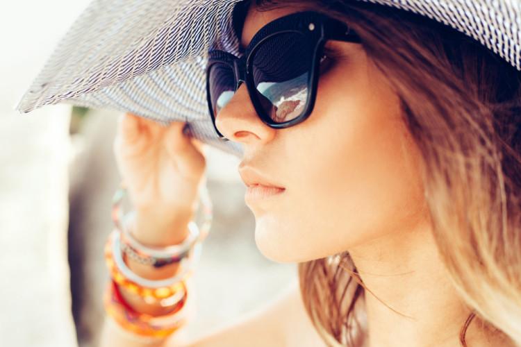 目の紫外線対策をしている人は約1割