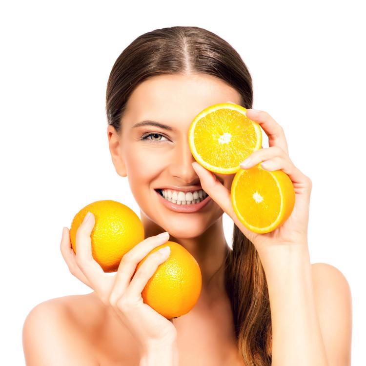 Cの力でエイジングケア!ビタミンCを摂取して体の内側から老けを防ぐ
