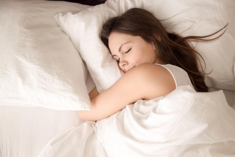 肌は寝ている間に作られる?