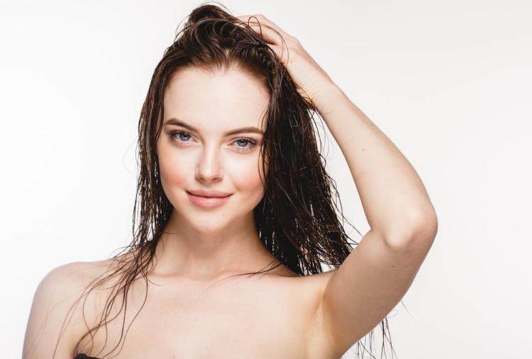夏の肌をいたわる正しい洗顔方法
