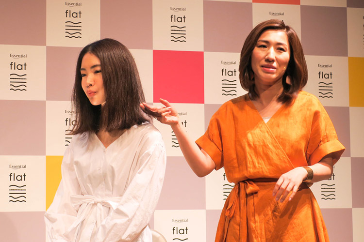 くせ毛モデルのスタイリングテク