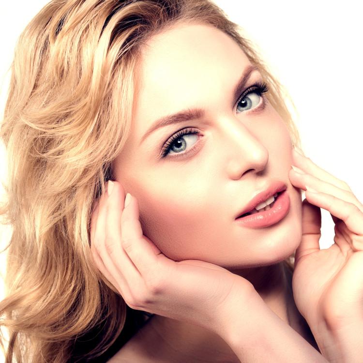 その肌トラブル、セラミド不足が原因かも。セラミド美容液で徹底うるおいケアを!おすすめ美容液5選