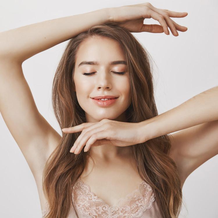 秋・冬になって気になる肌のくすみ…肌の透明感を底上げするには?