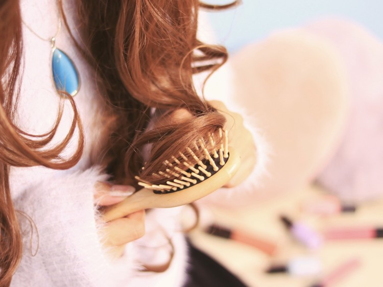 髪の毛をタオルドライ