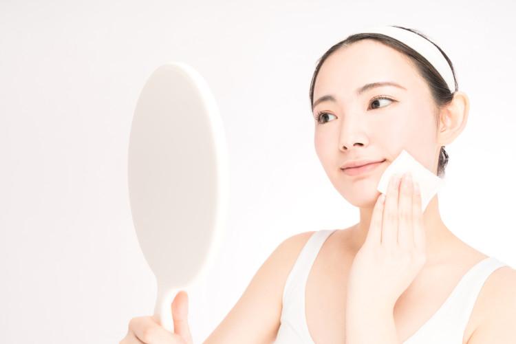 拭き取り化粧水の使い方