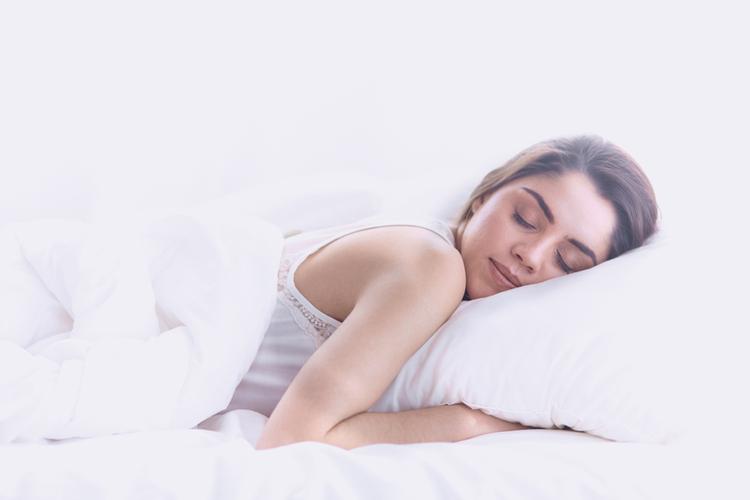 8時間の睡眠をとる